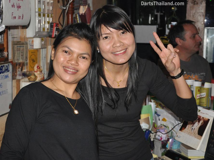 dt1805_bee_darts_knockout_moonshine_sukhumvit_soi_22_bangkok