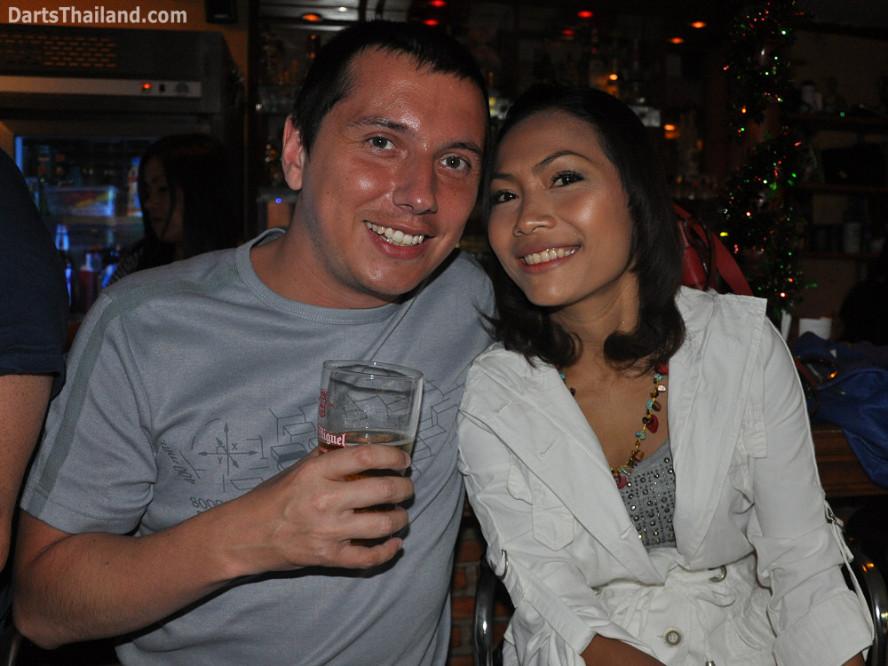 dt1825_stu_nan_darts_knockout_moonshine_sukhumvit_soi_22_bangkok