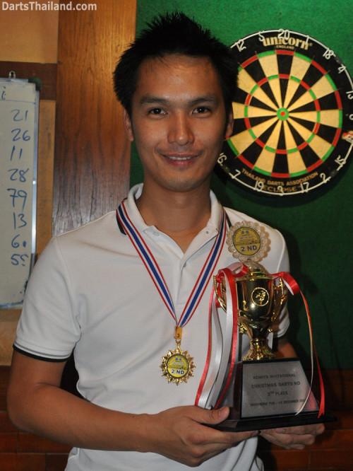dt1849_nui_trophy_winner_darts_knockout_moonshine_sukhumvit_soi_22_bangkok