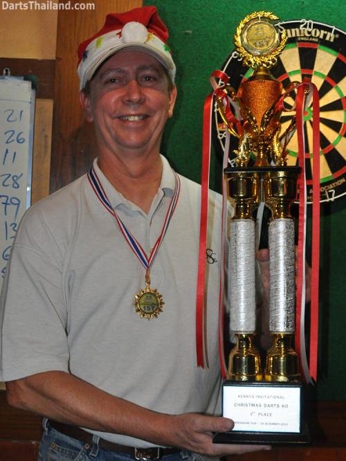 dt1850_tom_trophy_winner_darts_knockout_moonshine_sukhumvit_soi_22_bangkok