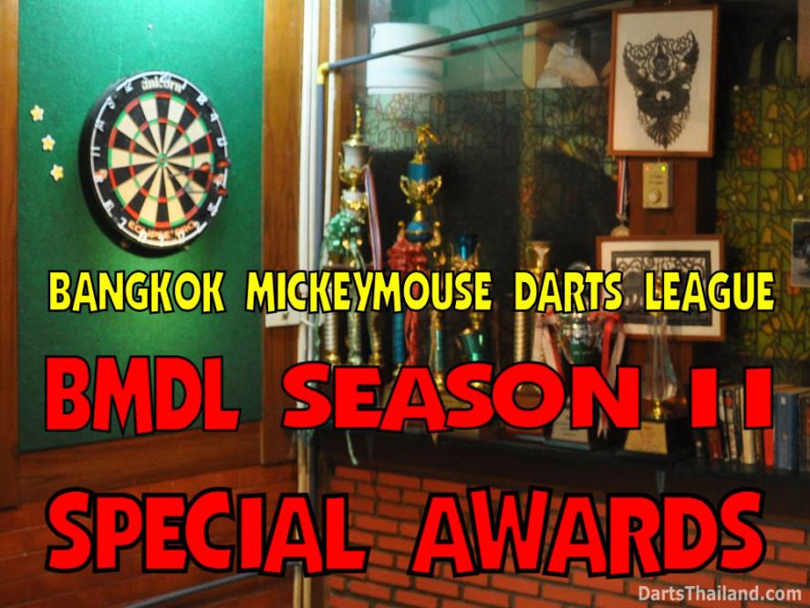 dt1861_party_photo_bmdl_bangkok_mickey_mouse_darts_league_moonshine_sukhumvit_soi_22