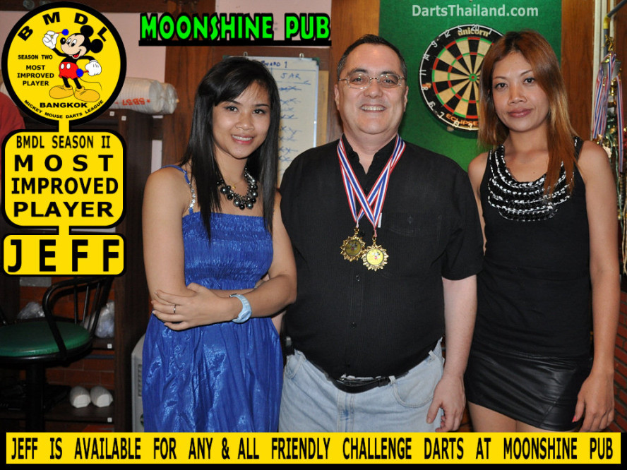 dt1862_nit_jeff_bmdl_bangkok_mickey_mouse_darts_league_moonshine_sukhumvit_soi_22