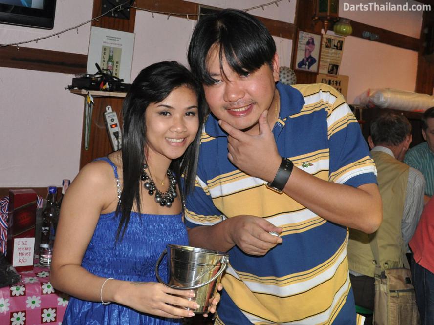 dt1879_nit_matt_dpelican_inn_bmdl_bangkok_mickey_mouse_darts_league_moonshine_sukhumvit_soi_22