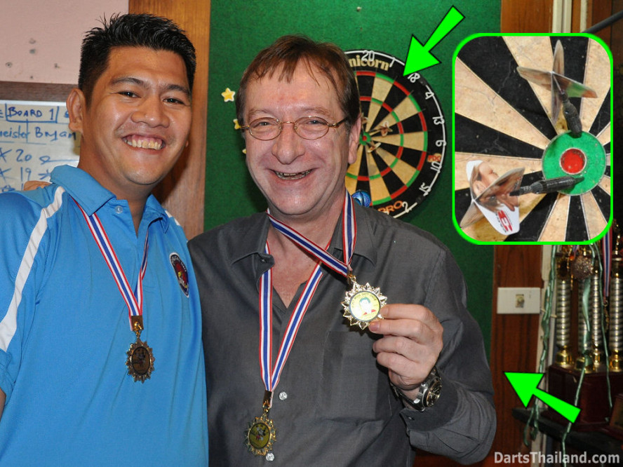 dt1883_bryan_jack_drunk_bmdl_bangkok_mickey_mouse_darts_league_moonshine_sukhumvit_soi_22
