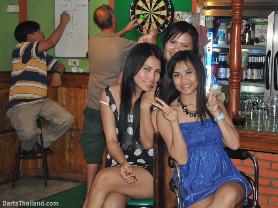 dt1885_nit_sexy_bmdl_bangkok_mickey_mouse_darts_league_moonshine_sukhumvit_soi_22