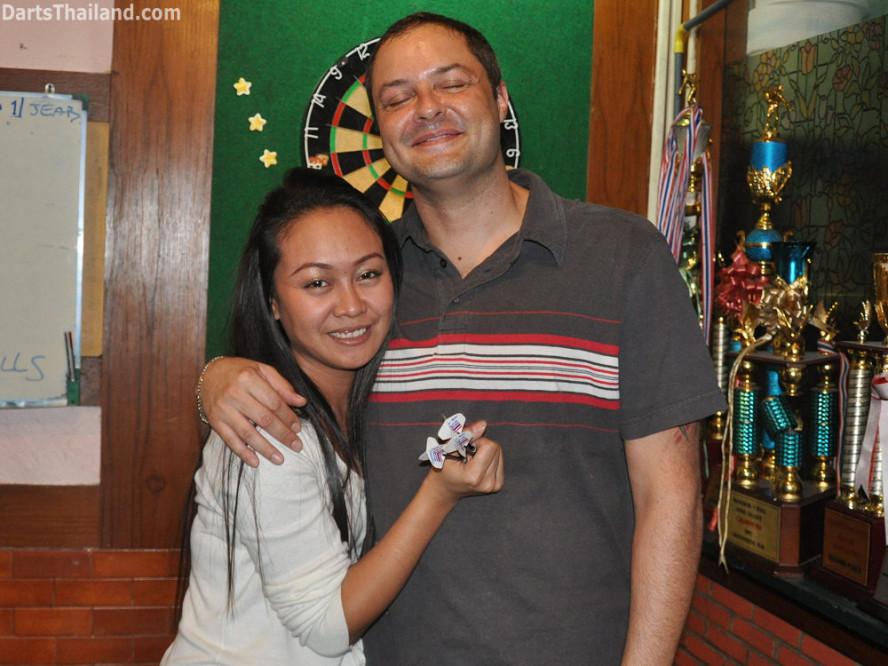 dt1889_jeab_corner_bar_sexy_bmdl_bangkok_mickey_mouse_darts_league_moonshine_sukhumvit_soi_22