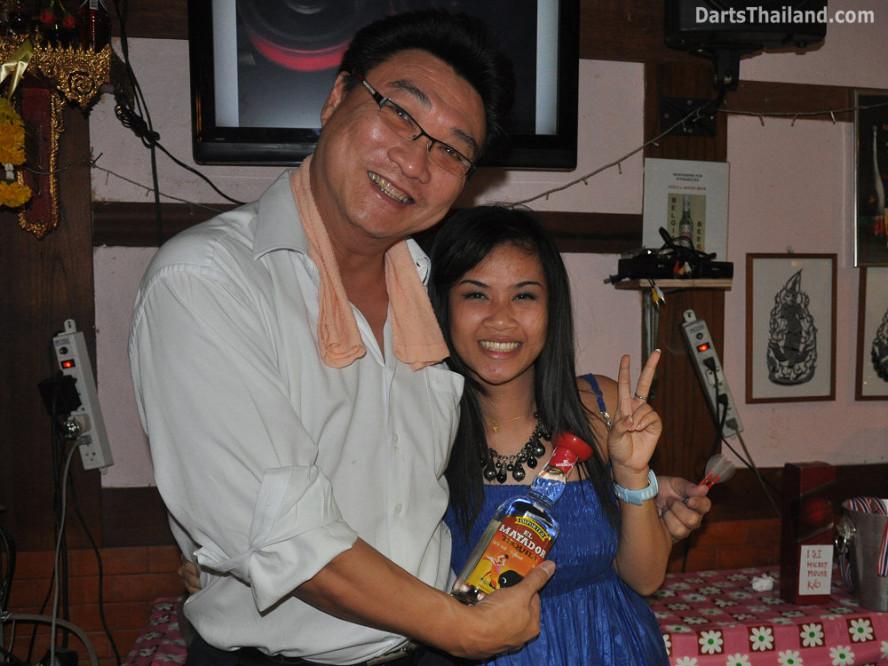 dt1893_adul_nit_tequila_bmdl_bangkok_mickey_mouse_darts_league_moonshine_sukhumvit_soi_22