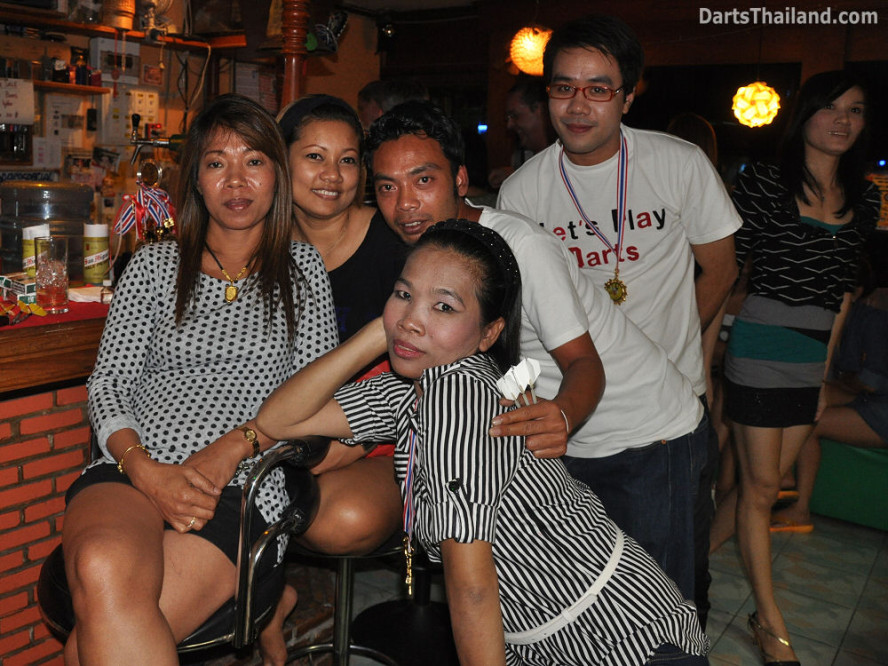 dt1904_ja_52_bar_bmdl_bangkok_mickey_mouse_darts_league_moonshine_sukhumvit_soi_22
