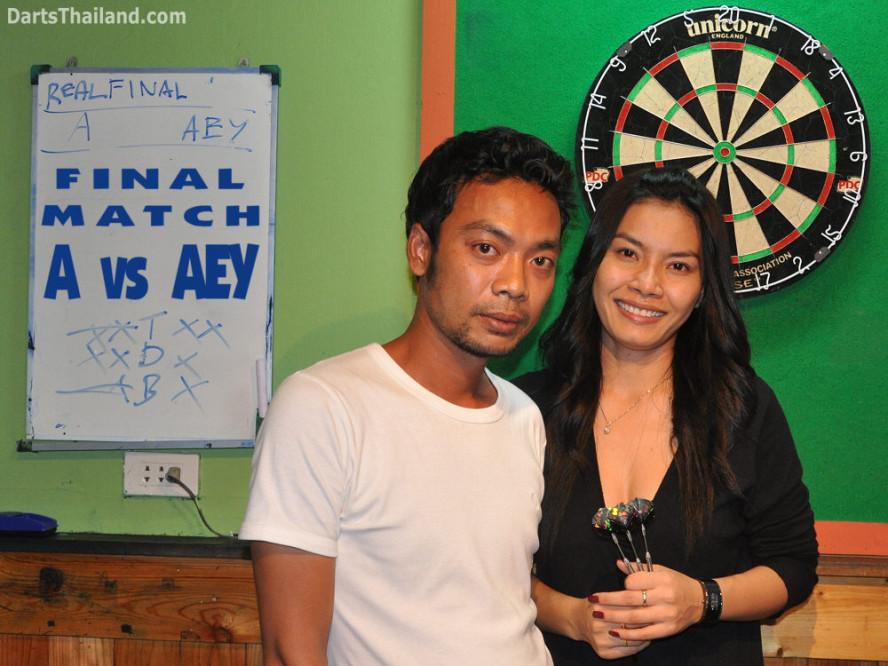 dt1916_aey_sexy_bmdl_bangkok_mickey_mouse_darts_league_moonshine_sukhumvit_soi_22