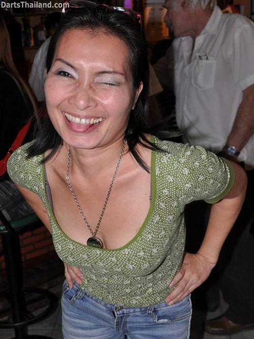 dt1921_tequila_sexy_darter_bmdl_bangkok_mickey_mouse_darts_league_moonshine_sukhumvit_soi_22