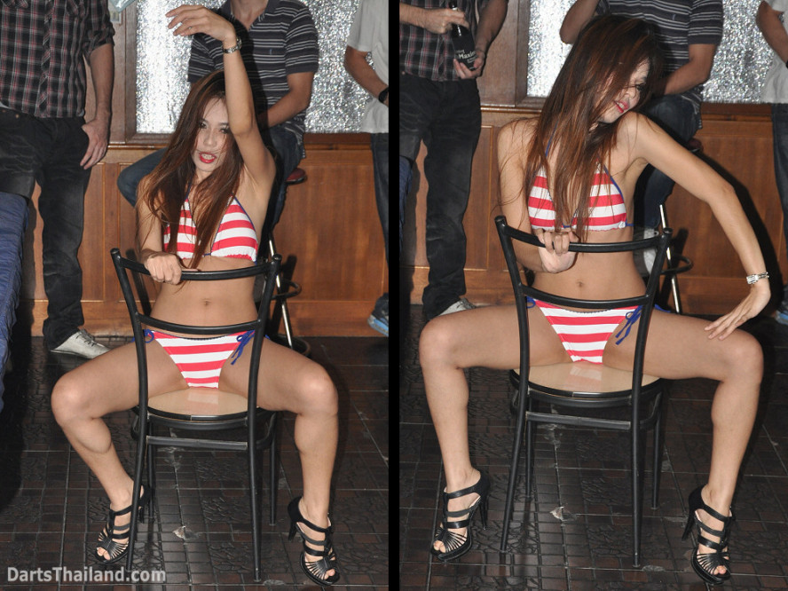 dt1977_sexy_darts_pro_corner_bar_queens_park_plaza_sukhumvit_soi_22_bangkok