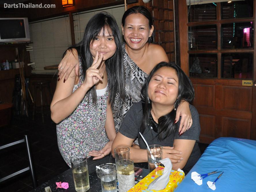 dt2002_lsdl_sukhumvit_soi_22_corner_bar_queens_park_plaza_bangkok