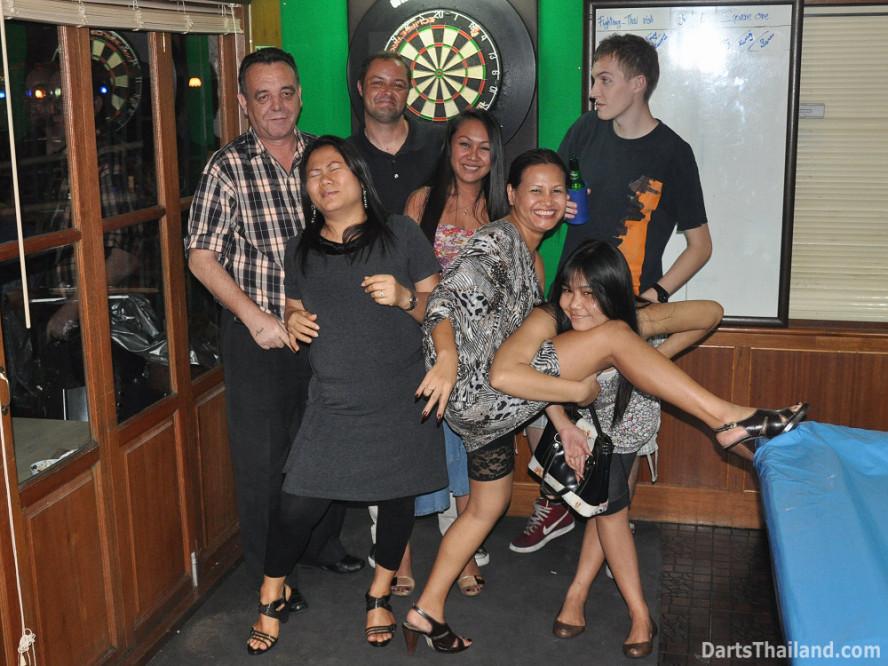 dt2005_lsdl_corner_bar_sukhumvit_soi_22_corner_bar_queens_park_plaza_bangkok