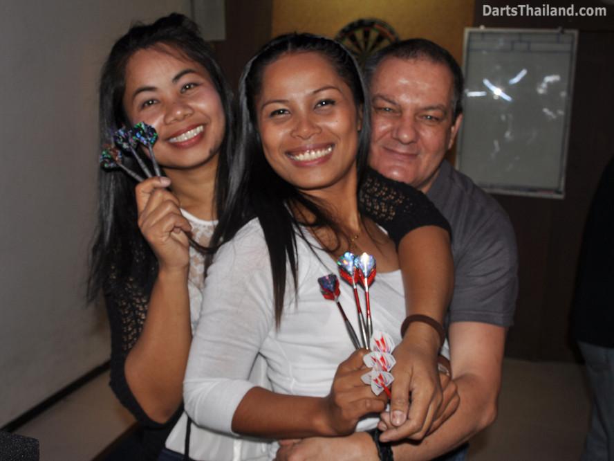 dt2018_bmdl_su_anna_harry_pro_darts_aloha_bar_sukhumvit_soi_22