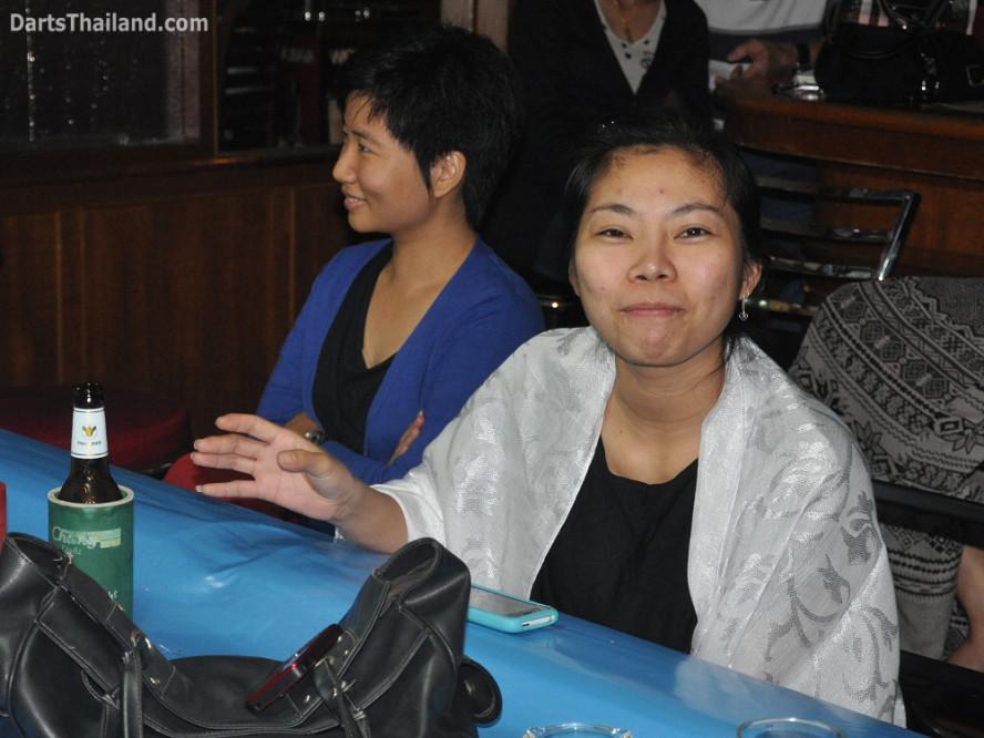 dt2059_toon_joy_yorkshire_tri_bar_darts_knockout_52_aloha_corner_sukhumvit_soi_22_bangkok