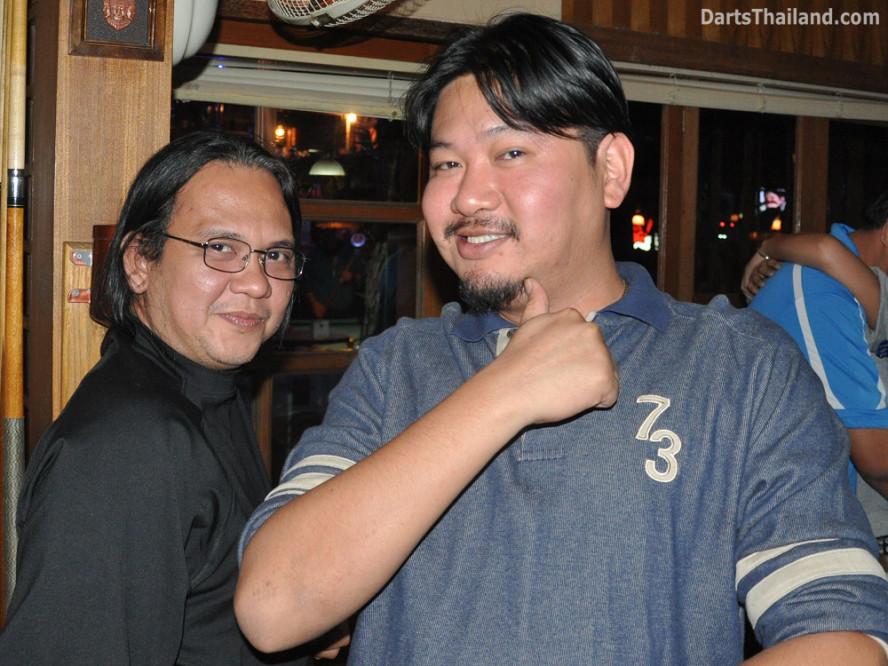 dt2068_maits_matt_yorkshire_tri_bar_darts_knockout_52_aloha_corner_sukhumvit_soi_22_bangkok