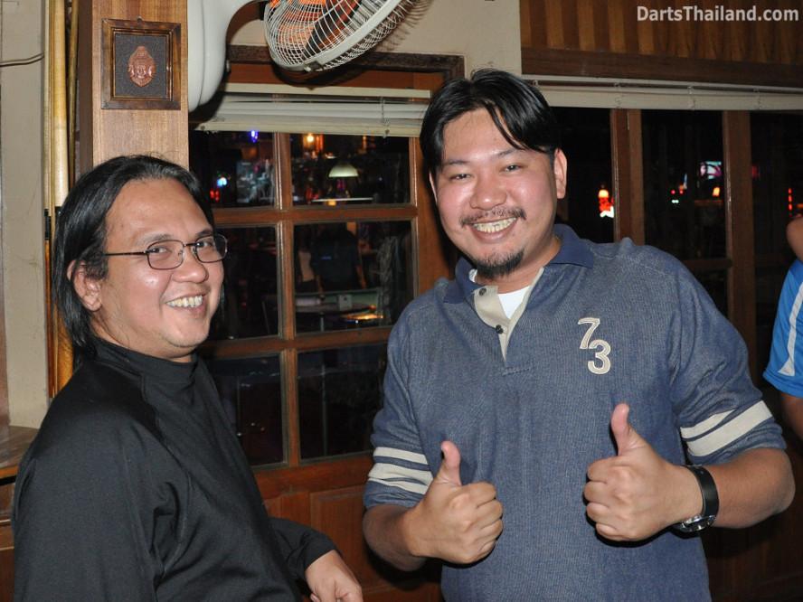 dt2069_maits_matt_yorkshire_tri_bar_darts_knockout_52_aloha_corner_sukhumvit_soi_22_bangkok