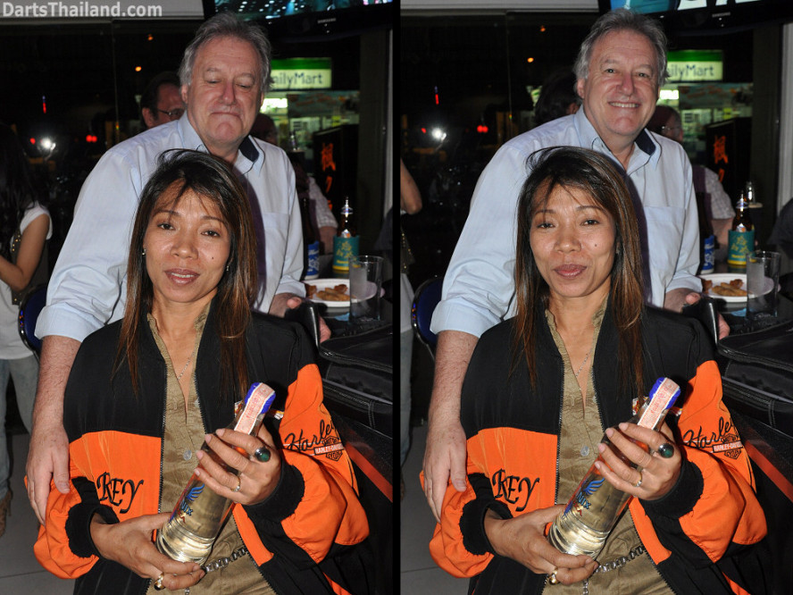 dt2096_jar_yorkshire_tri_bar_darts_knockout_52_aloha_corner_sukhumvit_soi_22_bangkok
