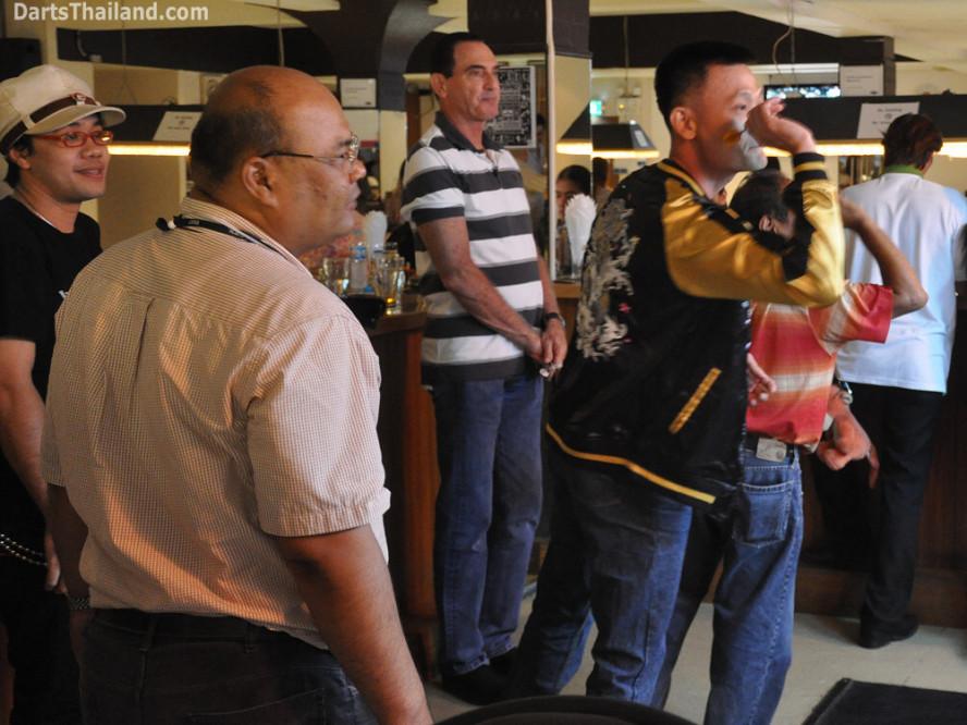 dt2208_bidl_bangkok_international_darts_league_tda_thailand_association
