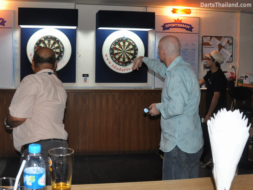 dt2210_bidl_bangkok_international_darts_league_tda_thailand_association