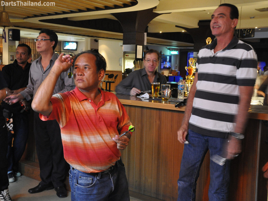 dt2217_adul_chalor_rick_bidl_bangkok_international_darts_league_tda_thailand_association