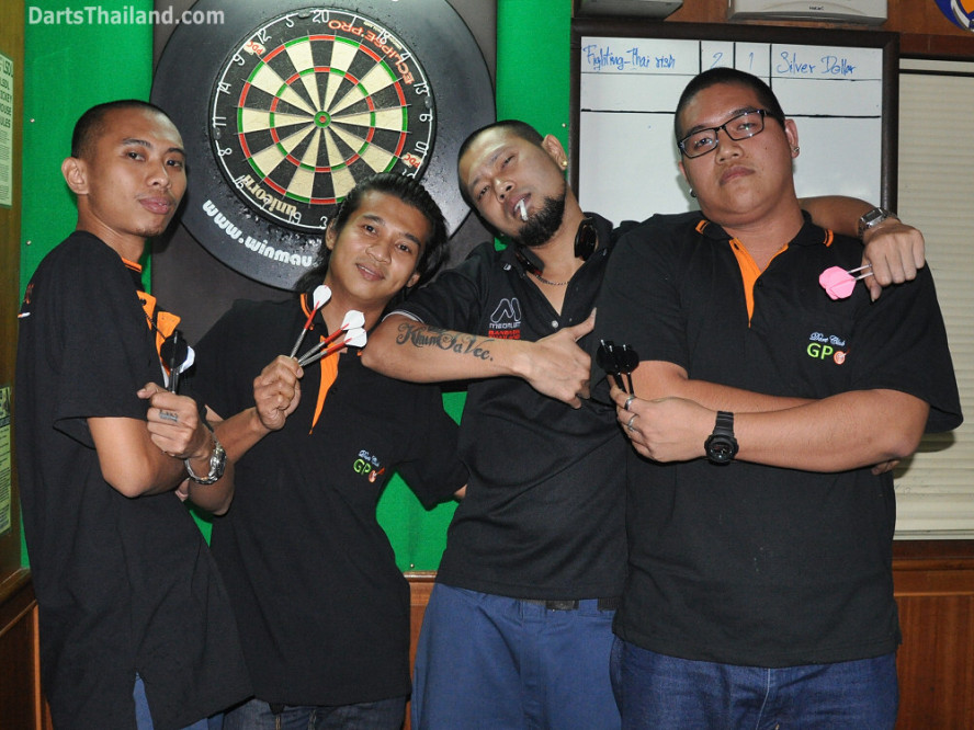 dt2227_fighting_thairish_lsdl_lower_sukhumvit_darts_league_soi_22_corner_bar