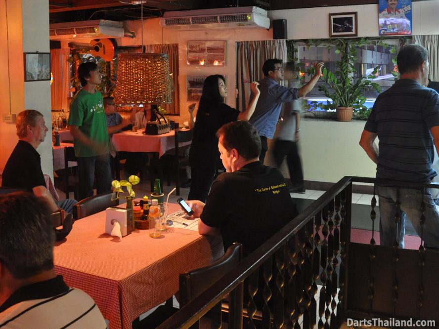 dt2300_lsdl_lower_sukhumvit_darts_league_bangkok