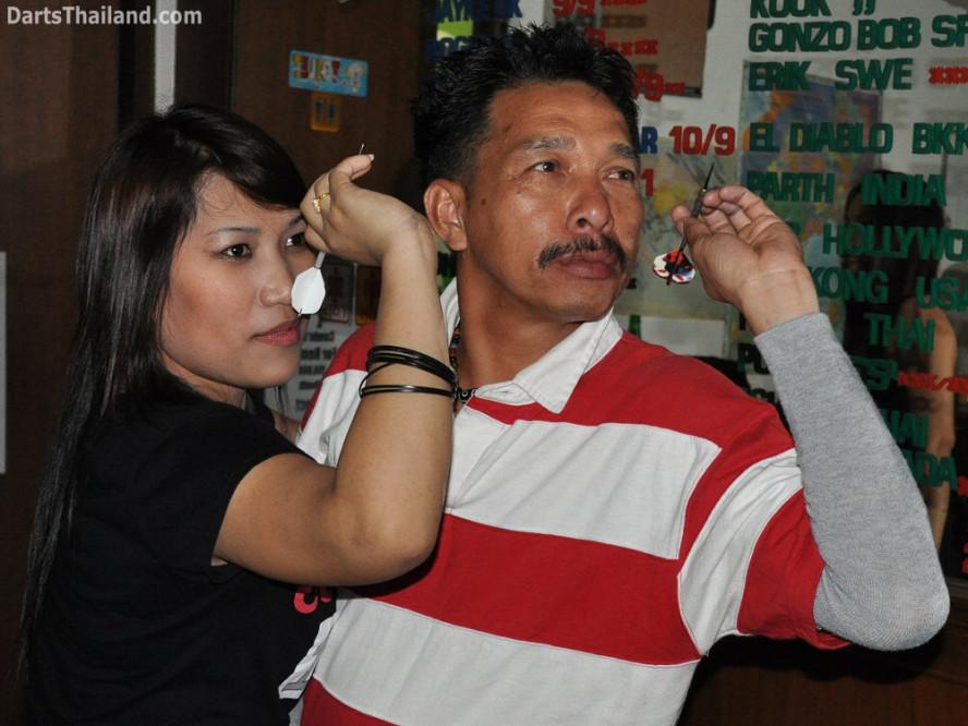 dt_1730_darts_bangkok_kung_pad_sukhumvit_22