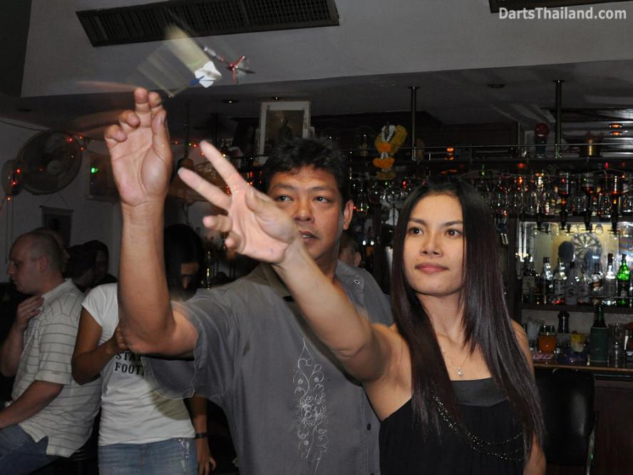 dt_1733_darts_bangkok_boy_ae_sukhumvit_22