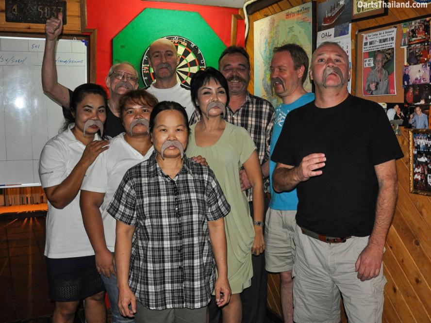 kennys_darts_yorkshire_style_bangkok_thailand_sukhumvit_22_newcowboy_bar_97