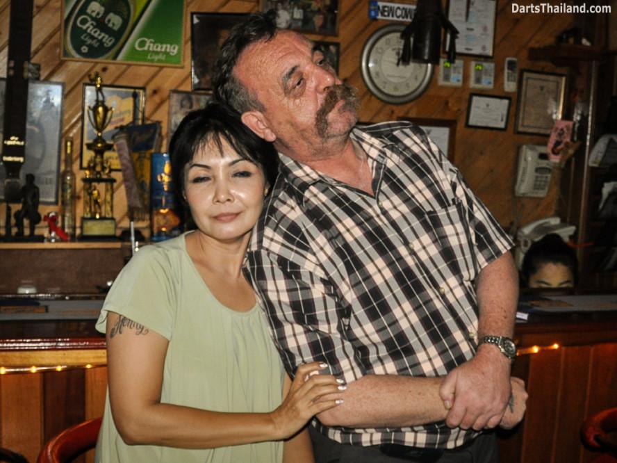kennys_darts_yorkshire_style_bangkok_thailand_sukhumvit_22_newcowboy_bar_99k