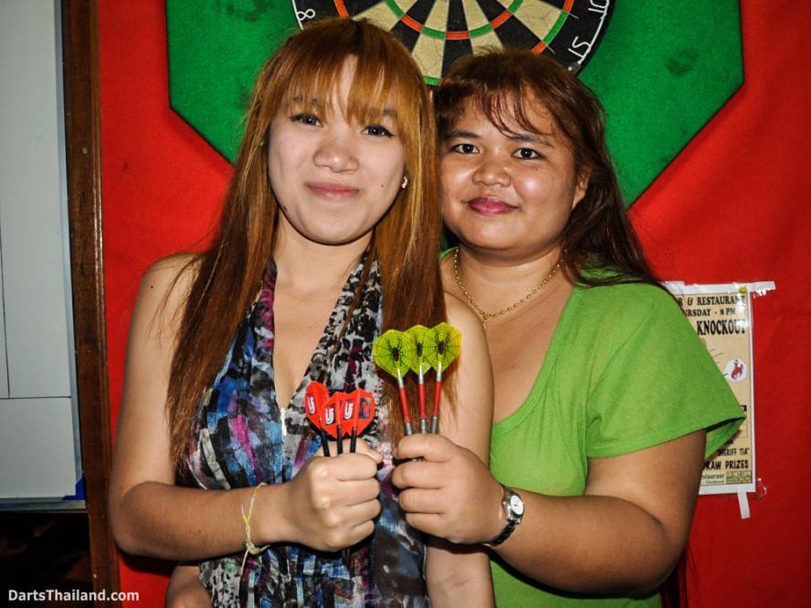new_cowboybar_cow_girl_darts_knockout_sukhumvit_soi_22_bangkok_thailand_darts_002
