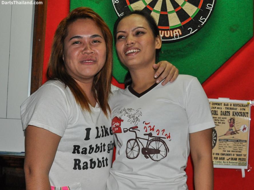 new_cowboybar_cow_girl_darts_knockout_sukhumvit_soi_22_bangkok_thailand_darts_003
