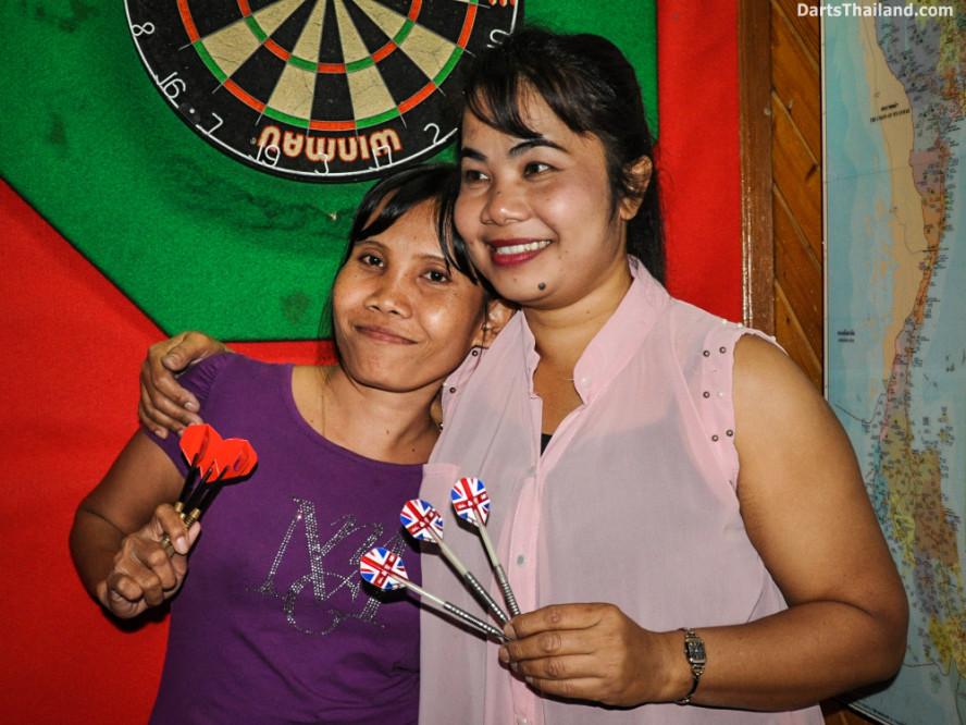 new_cowboybar_cow_girl_darts_knockout_sukhumvit_soi_22_bangkok_thailand_darts_004
