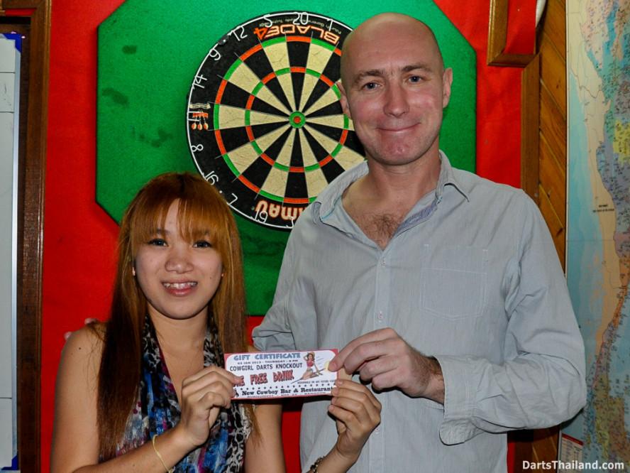 new_cowboybar_cow_girl_darts_knockout_sukhumvit_soi_22_bangkok_thailand_darts_018