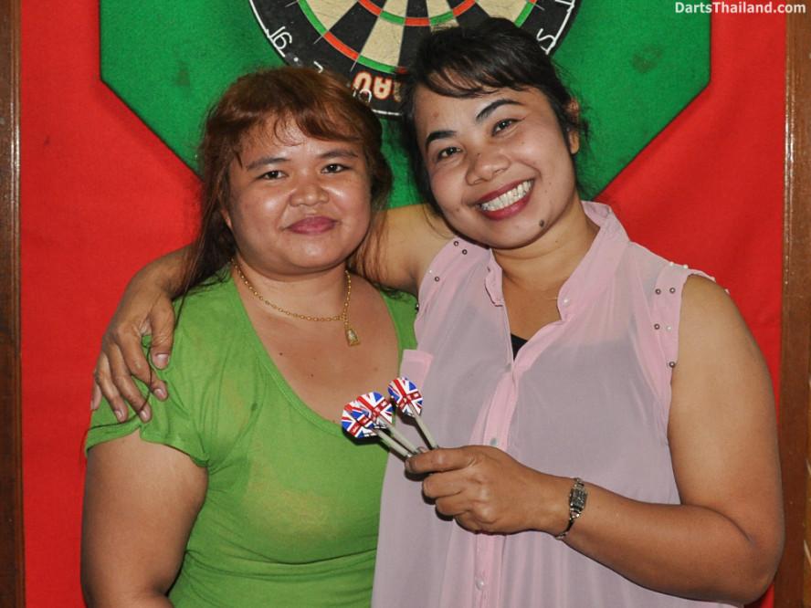 new_cowboybar_cow_girl_darts_knockout_sukhumvit_soi_22_bangkok_thailand_darts_024