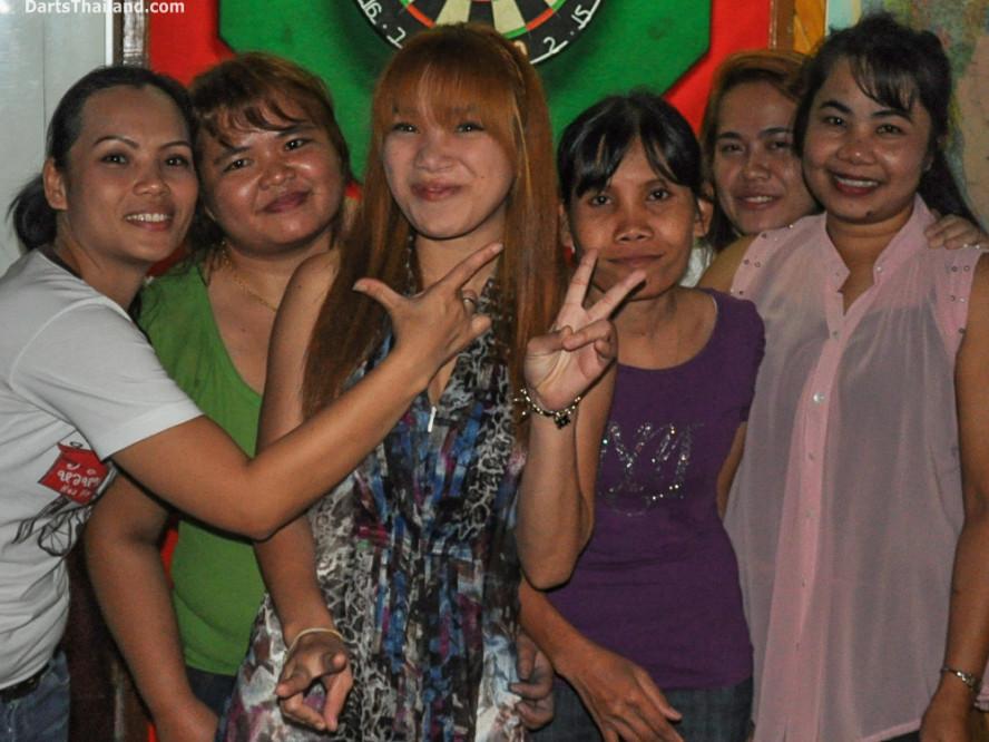 new_cowboybar_cow_girl_darts_knockout_sukhumvit_soi_22_bangkok_thailand_darts_029