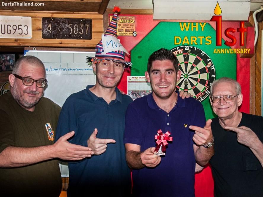 why-darts-2013-new-cowboy-bar (9)