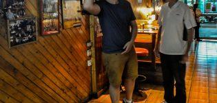 13_darts_pro_danny_golden_peter_rushby_leeds_yorkshire_uk